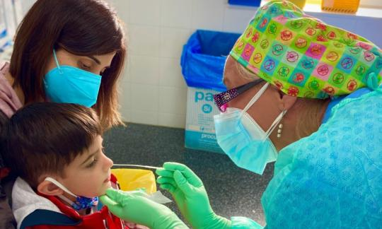 Les infermeres de l'EAP Sant Andreu de la Barca fan un vídeo de la Covid-19 per als centres educatius