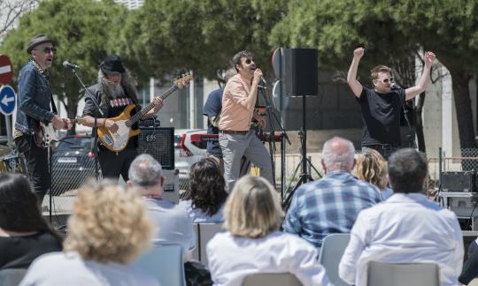 La Fundación Tony Manero ofereix un concert gratuït a l'Hospital de Bellvitge per reconèixer el treball del personal sanitari