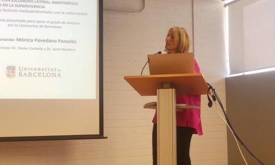 La Dra. Mònica Povedano defensa la seva tesi sobre l'impacte de les unitats multidisciplinàries en la supervivència dels pacients d'ELA